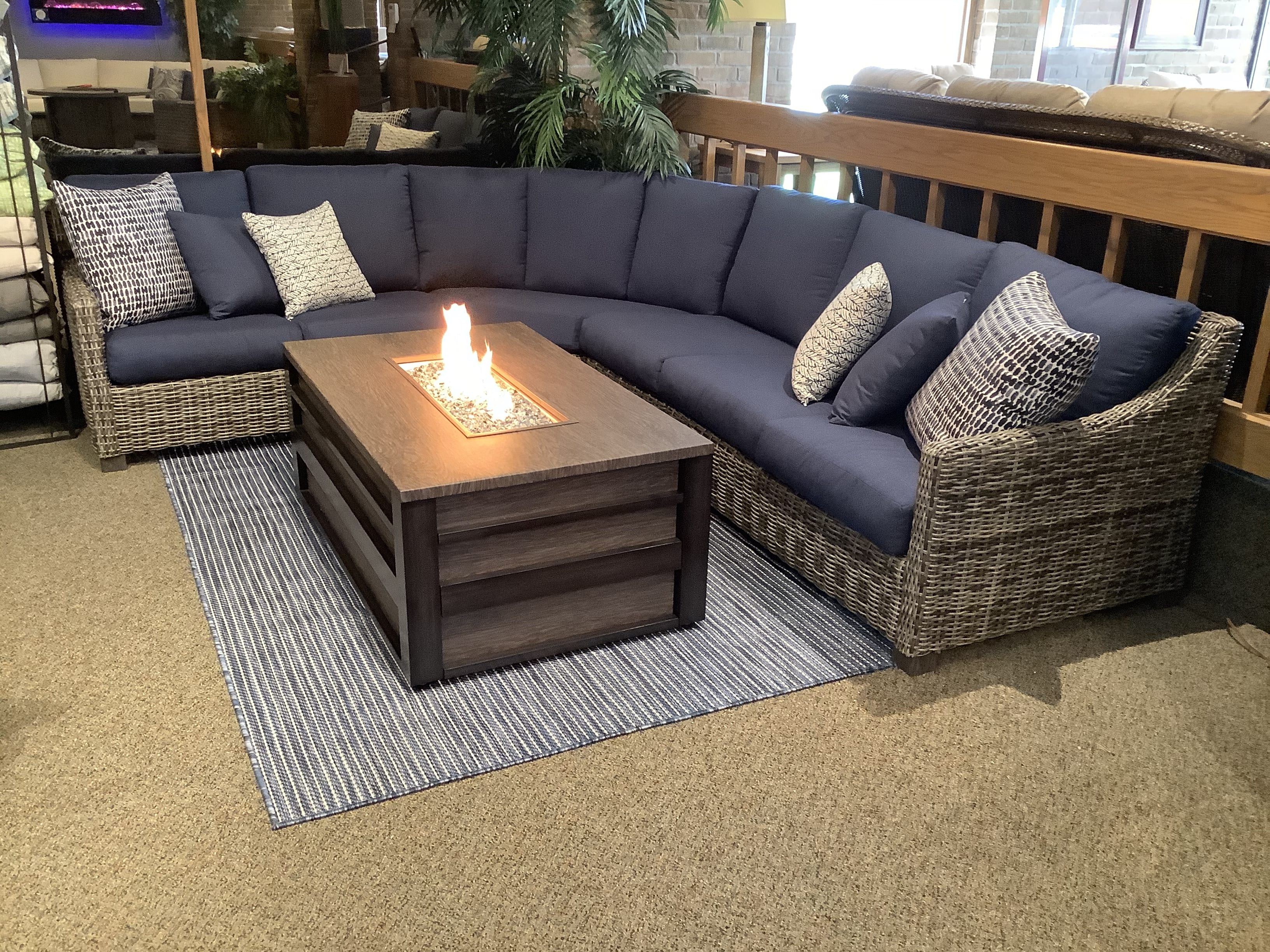 Bella-Valone-Sectional_Calu-Fire-Table