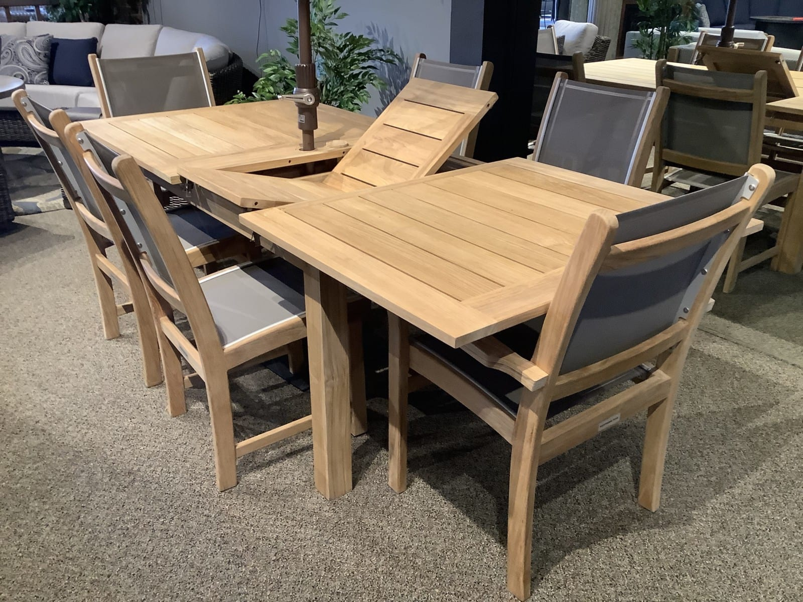 Westbrook-Teak-Double-Leaf-Extension-Table_2